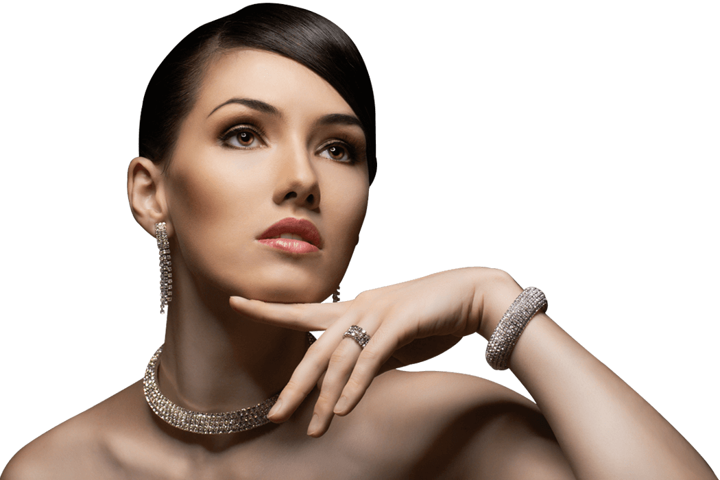 Девушка с украшениями на прозрачном фоне
